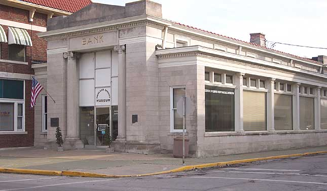 Photo Clay County State Bank building